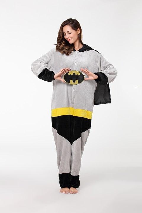szatén pizsama
